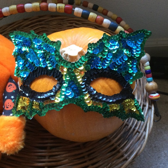 Vintage Accessories - GIFTED Sequin Butterfly Masquerade Mask Halloween